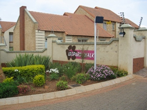 Mooikloof Ridge 2 Bedroom Townhouse to Rent