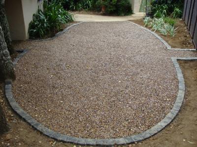 granny mouse tea garden with cobbles